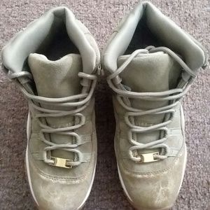 Women's Size 7 Olive Brown Jordan 11's